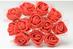 Роза с фатином 2 см, красная, в пучке 12 цветков