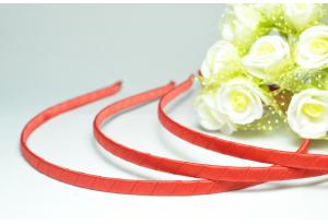 Обруч металл, обмотанный атласной лентой, 6 мм, красный
