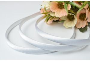 Обруч пластиковый в атласе, 0,9 см, белый