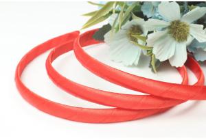 Обруч пластик, обмотанный атласной лентой, 9 мм, красный
