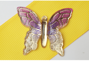 Серединка объемная - подвеска бабочка 40x34 мм, с отверстиями  1 мм для подвески, сиреневая