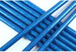 Термоклей 7 мм, с глиттером синий, длина 20 см
