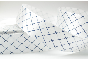 Атласная лента с рисунком Ромбик, 2.5 см, белая