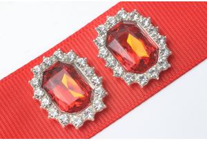 Кабошон металл серебро 2,1x1,7 см, с красным камнем и стразами