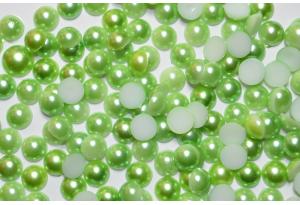 Полубусина 8 мм, зеленая