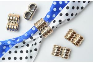 Протяжка для лент с двумя отверстиями, 15х10 мм, пластик, золото