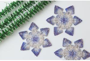 Серединка объемная - подвеска снежинка 30 мм, с отверстиями  1 мм для подвески, синяя