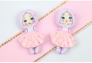 Серединка объемная, Девочка с каре, 32х19 мм, розовая с сиреневым каре