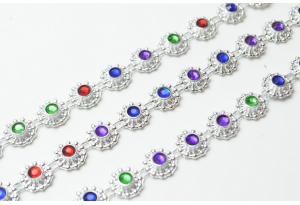Стразовая цепочка пластиковая, разноцветная, оправа - серебро