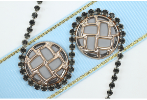 Стразовая цепочка SS7, оправа - серебро, камни - дымчатые