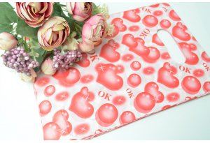Подарочный пакетик, 28х20 см, полиэтилен, красные сердечки